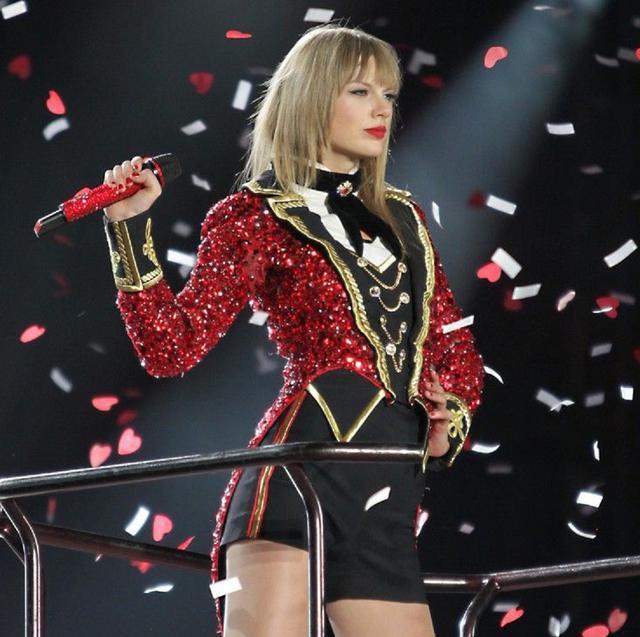画像: 2013年の『Red Tour』の公演にて。