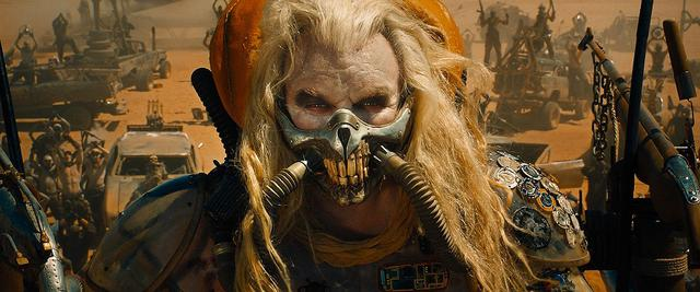 画像: 映画『マッドマックス 怒りのデス・ロード』で演じたイモータン・ジョー。©VILLAGE ROADSHOW / Album/Newscom