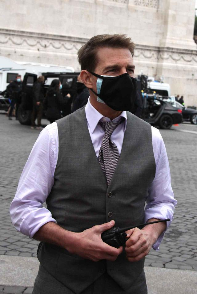 画像1: トムのマスクに隠された秘密とは?