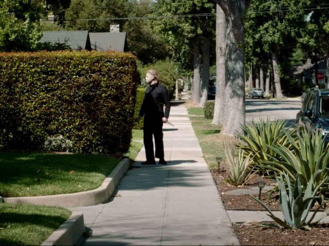 画像: 2020年はハロウィン中止⁉ ホラー映画『ハロウィン』の殺人鬼が困惑する様子がコチラ - フロントロウ -海外セレブ情報を発信
