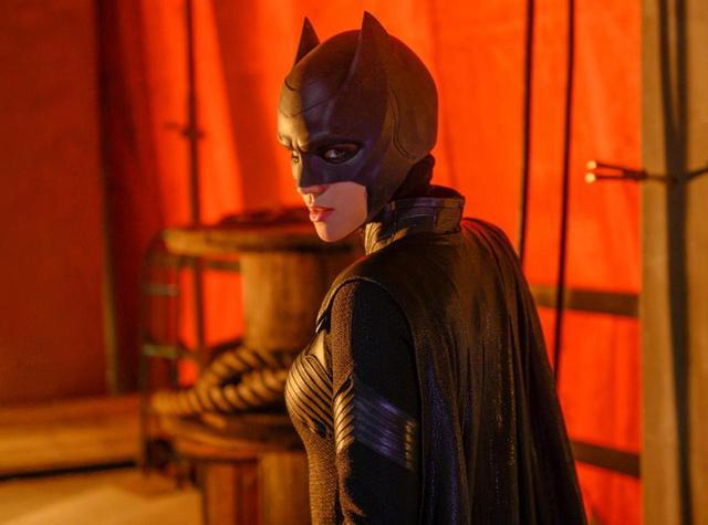 画像: BATWOMAN(TM) and related characters and elements are and trademarks of DC Comics. (c) 2020 Warner Bros. Entertainment All rights reserved.