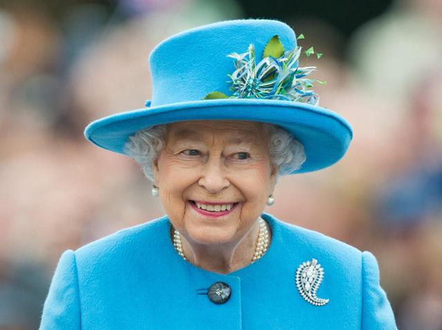 画像: エリザベス女王のツイッターが「誤爆」、秒で削除も時すでに遅し - フロントロウ -海外セレブ情報を発信