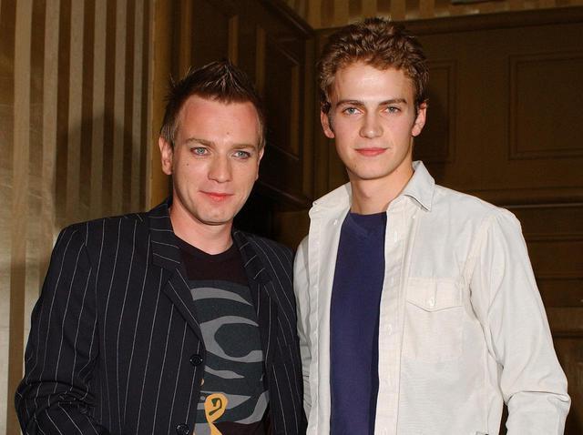 画像: 2001年に撮影されたユアン・マクレガーとヘイデン・クリステンセン。