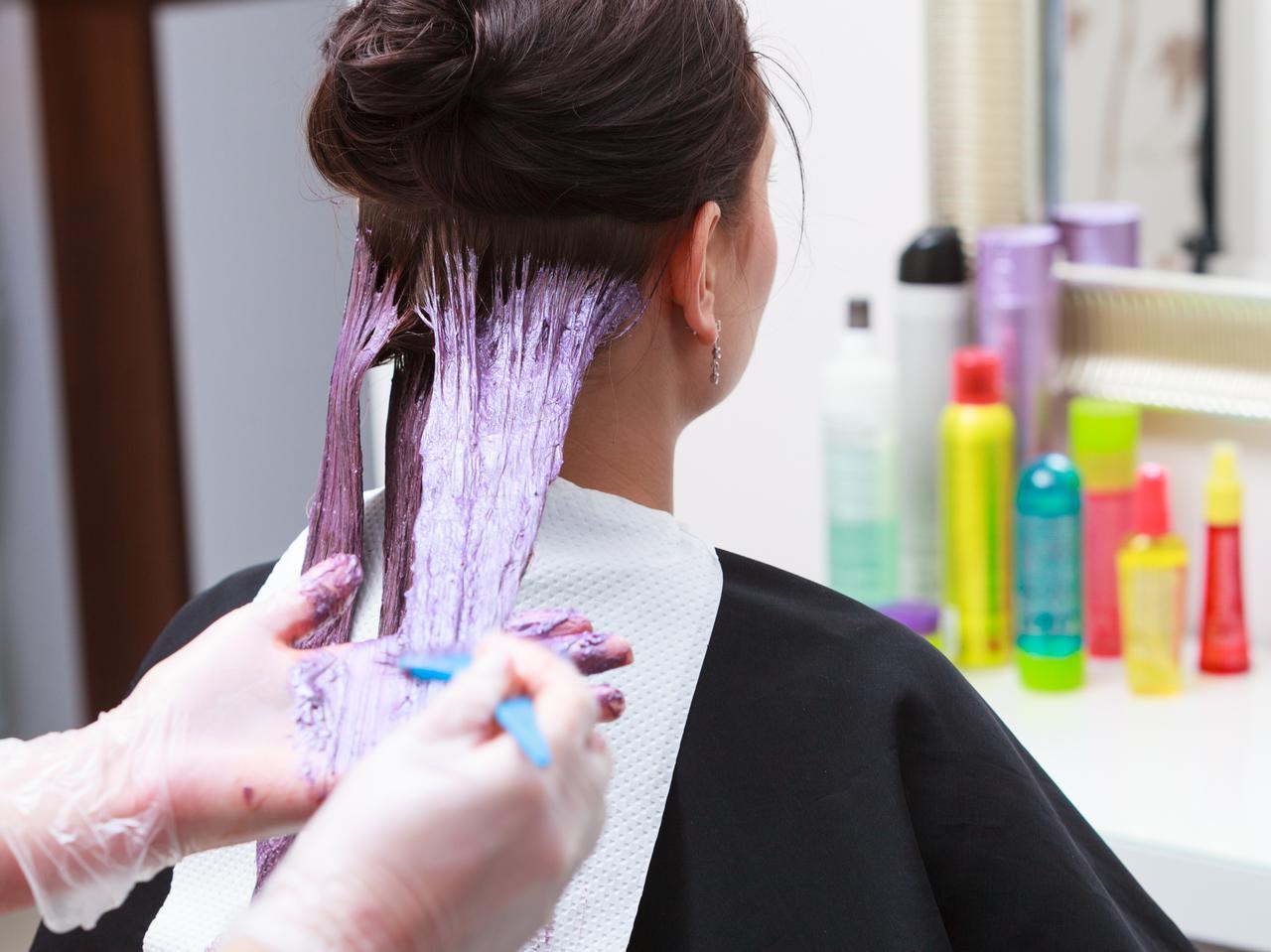 画像: 6.自宅がヘアサロン!自分で髪を切る、染める人が急増