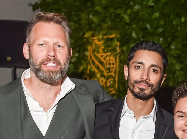 画像: ダリウス・マーダー監督(左)、リズ・アーメッド(右)