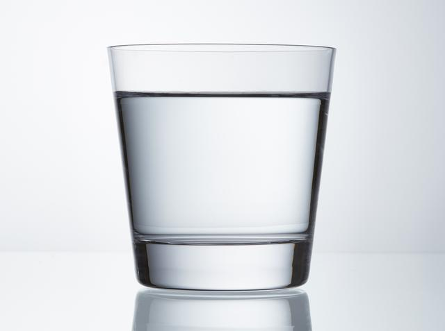 画像: 寝る前にしっかり水分補給