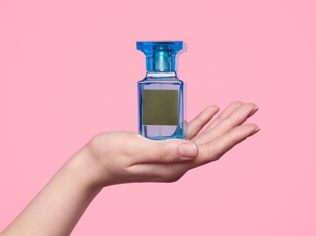 画像: 冬でも香水の香りを長続きさせるには?