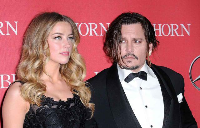 画像: ジョニー・デップ(右)と彼の元妻のアンバー・ハード(左)。