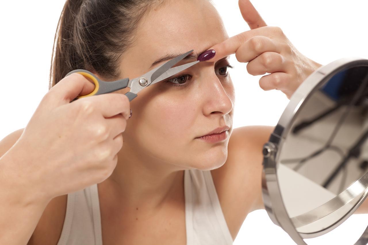画像: 眉を伸ばすコツは「眉の環境を整える」