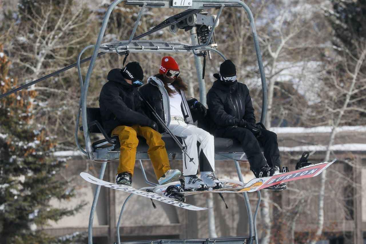 画像4: ベラ・ハディッドの最新スキーウェア
