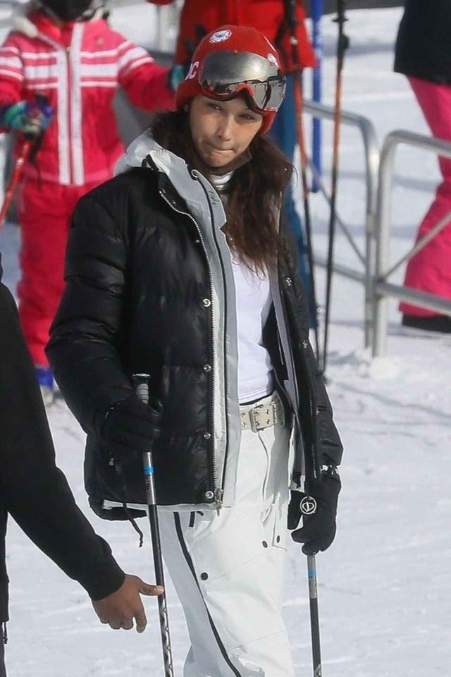 画像3: ベラ・ハディッドの最新スキーウェア