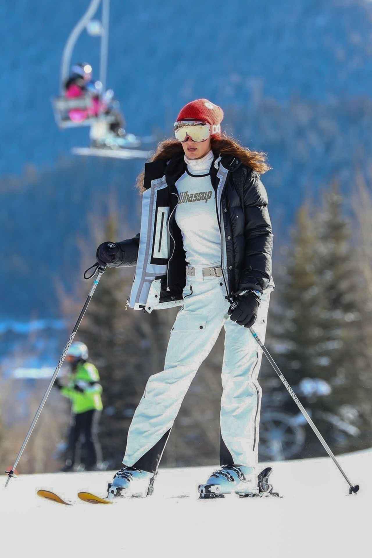 画像2: ベラ・ハディッドの最新スキーウェア