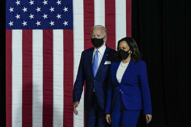 画像1: 大統領就任式でレディー・ガガが国歌斉唱