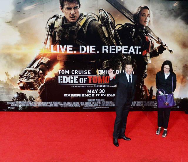 画像: 映画公開時には、「Live Die Repeat」はキャッチフレーズとして使われた。