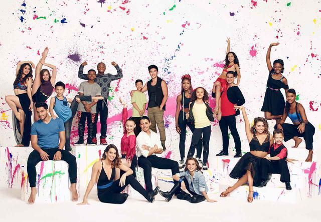 画像: 『アメリカン・ダンスアイドル(原題:So You Think You Can Dance?)』シーズン13に出演した時のプロモ写真。テイト・マクレーは上段左から2番目。