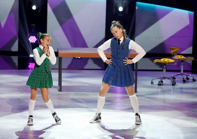 画像: 『アメリカン・ダンスアイドル(原題:So You Think You Can Dance?)』シーズン13より。テイト・マクレーは右。