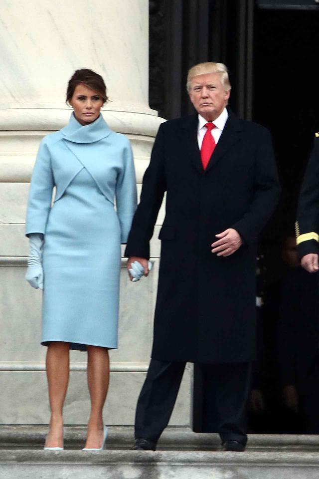 画像2: 大統領就任式のドレスは注目の的