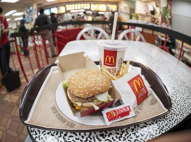 画像: マクドナルド、ゴミを使ったアイテム