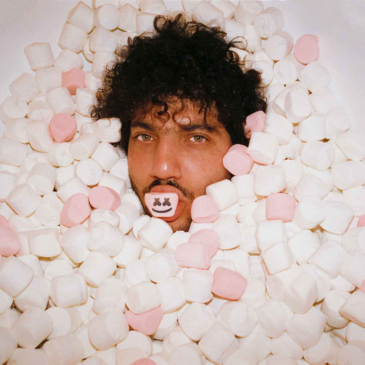 画像: ベニー・ブランコ、マシュメロ 、ヴァンス・ジョイが「You」でコラボ