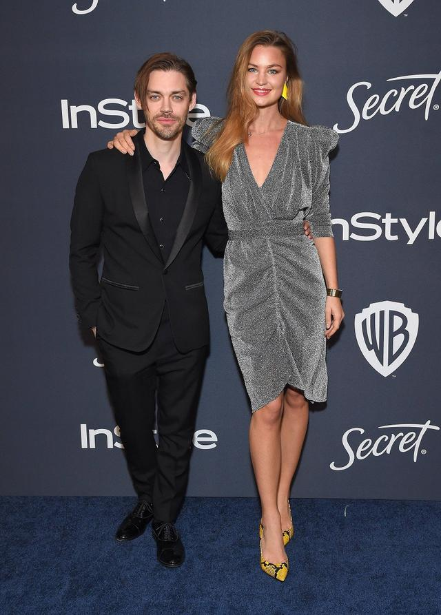 画像: 2020年に結婚したトムの妻でモデルのジェニファー・アッカーマンの身長は175㎝と、今ハリウッドでも増えている女性の方が背が高いカップル。