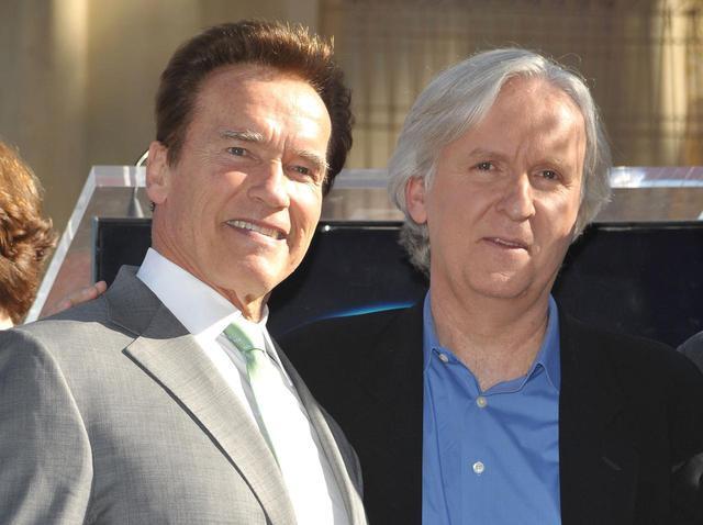 画像: 2009年に撮影されたアーノルド・シュワルツェネッガーとジェームズ・キャメロン監督。