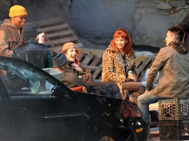 画像: ティモシー・シャラメ、新作の撮影現場であの俳優とキス!さすが絵になる - フロントロウ -海外セレブ情報を発信