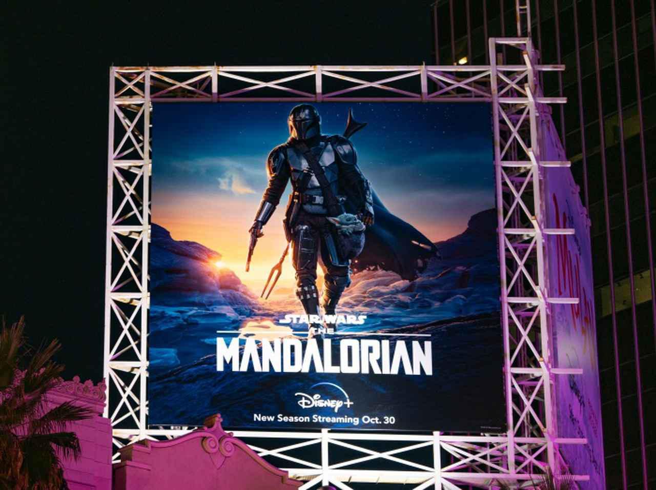 画像: 『マンダロリアン』のあるシーン、400〜500回も撮り直ししていた…! - フロントロウ -海外セレブ情報を発信