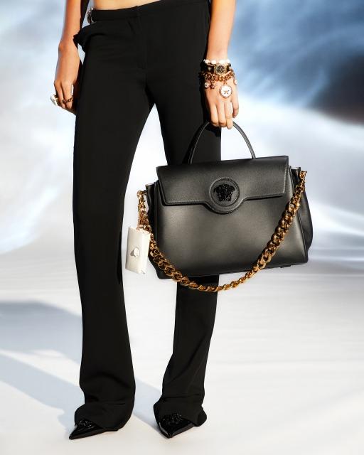 画像1: ヴェルサーチェより新作バッグ、ラ メドゥーサが誕生