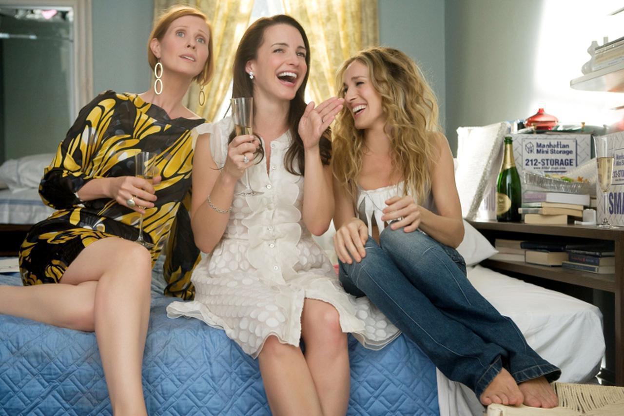 画像2: ©︎DARREN STAR PROD./HBO FILMS/NEW LINE CINEMA / BLANKENHORN, CRAIG