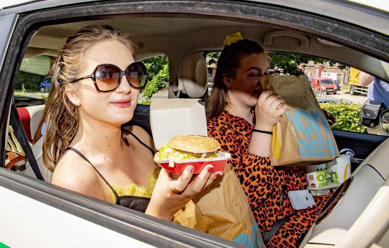 画像: マクドナルドがCMを通じてドライブスルー利用者に感謝