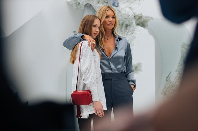 画像: ファッション業界で問題視されている女性モデルのヌード撮影