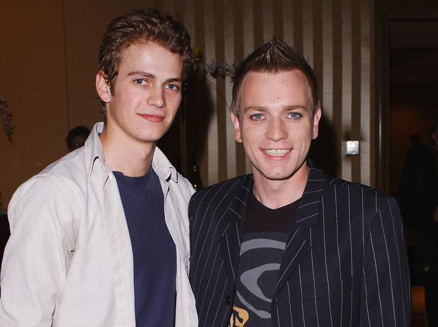 画像: ヘイデン・クリステンセン(左)とユアン・マクレガー(右)。