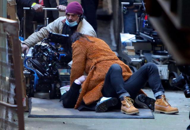 画像3: 新作ドラマを撮影中のセレーナ・ゴメスの姿をキャッチ