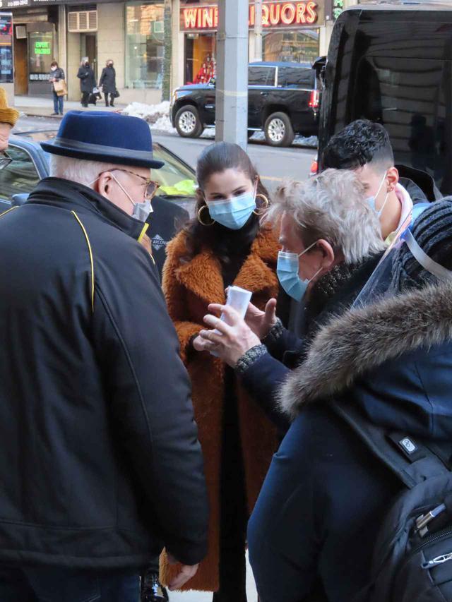 画像2: 新作ドラマを撮影中のセレーナ・ゴメスの姿をキャッチ