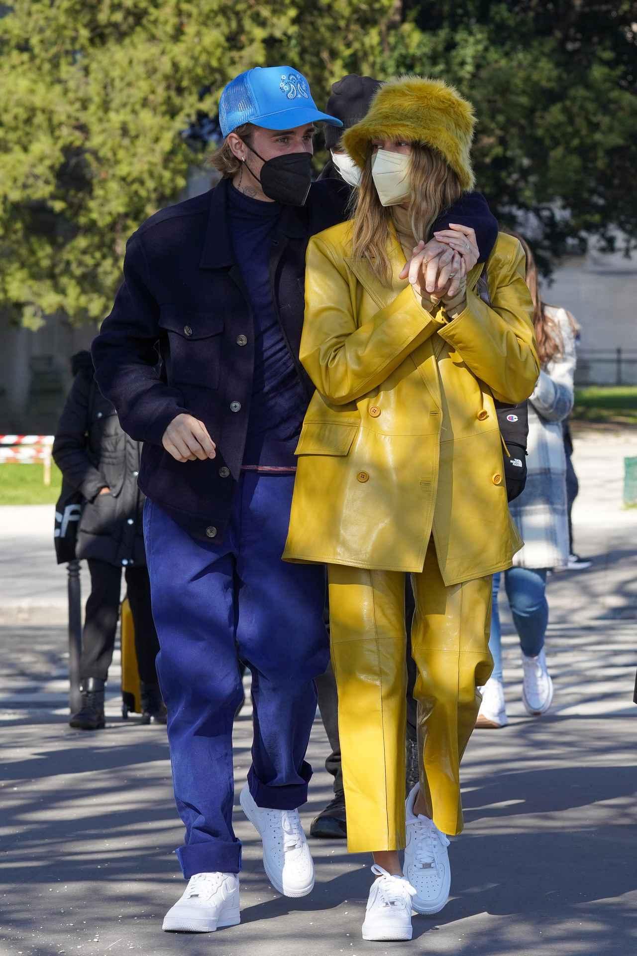 画像3: ジャスティン・ビーバー夫妻の姿をパリで発見!