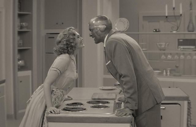 画像: エピソードごとにファッションやヘアスタイルがガラリと変わる点も、ドラマの楽しみどころの一つ。