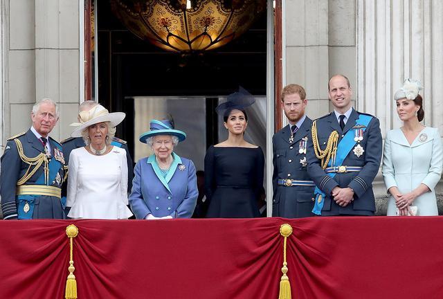 画像: 肌の色に懸念を示した王室メンバーは誰?ネット上で議論