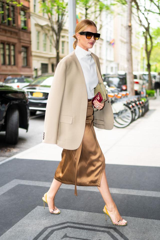 画像: モデルのロージー・ハンティントン・ホワイトリー