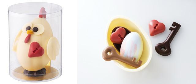 画像: にわとり型ショコラ内部:鍵型ショコラ、ハート型ショコラ、たまご型ショコラ