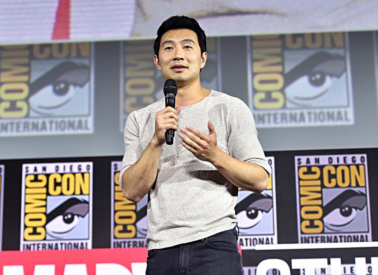 画像: シム・リウがアジア系への人種差別に声をあげる