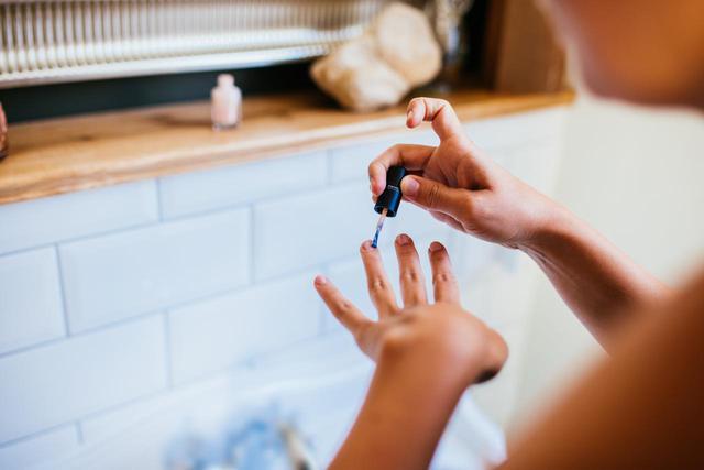 画像2: 爪の表面をつるんとキレイにするコツ