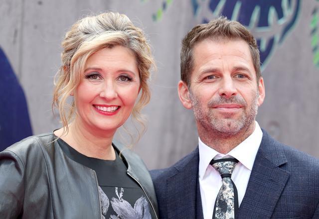 画像: デボラ・スナイダー(左)、ザック・スナイダー(右)