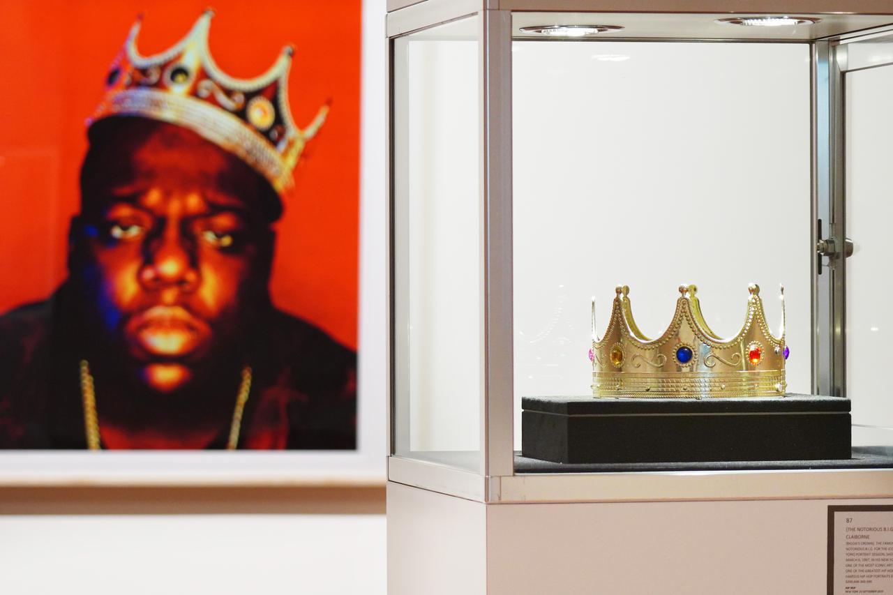 画像2: ノトーリアス・B.I.G.の王冠を着用か