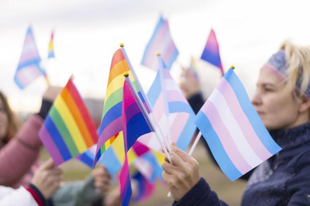 画像: Amazon、LGBTQ+は精神病ではない