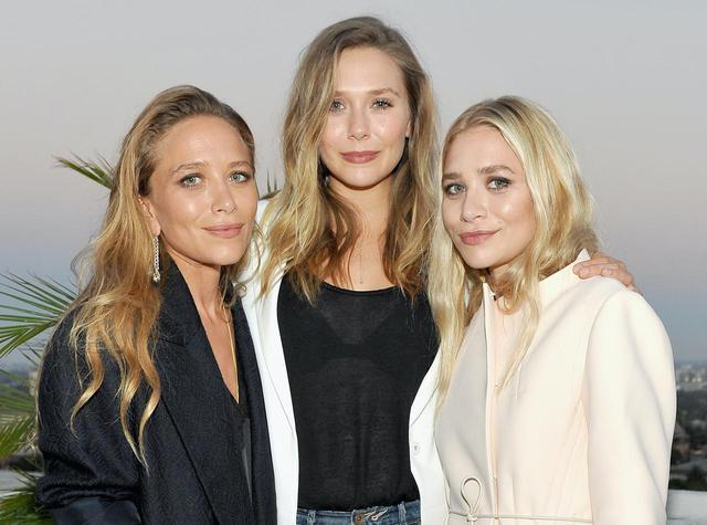 画像: 双子の姉がずっと憧れの存在であることを明かしているエリザベス