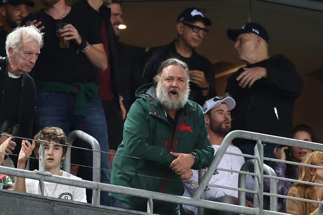 画像1: ラッセルがラグビー観戦へ