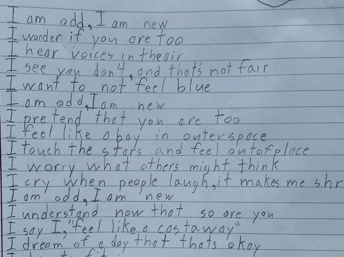 画像: 自閉症の10歳の少年が書いた「私は」というタイトルのポエムが深い - フロントロウ -海外セレブ情報を発信