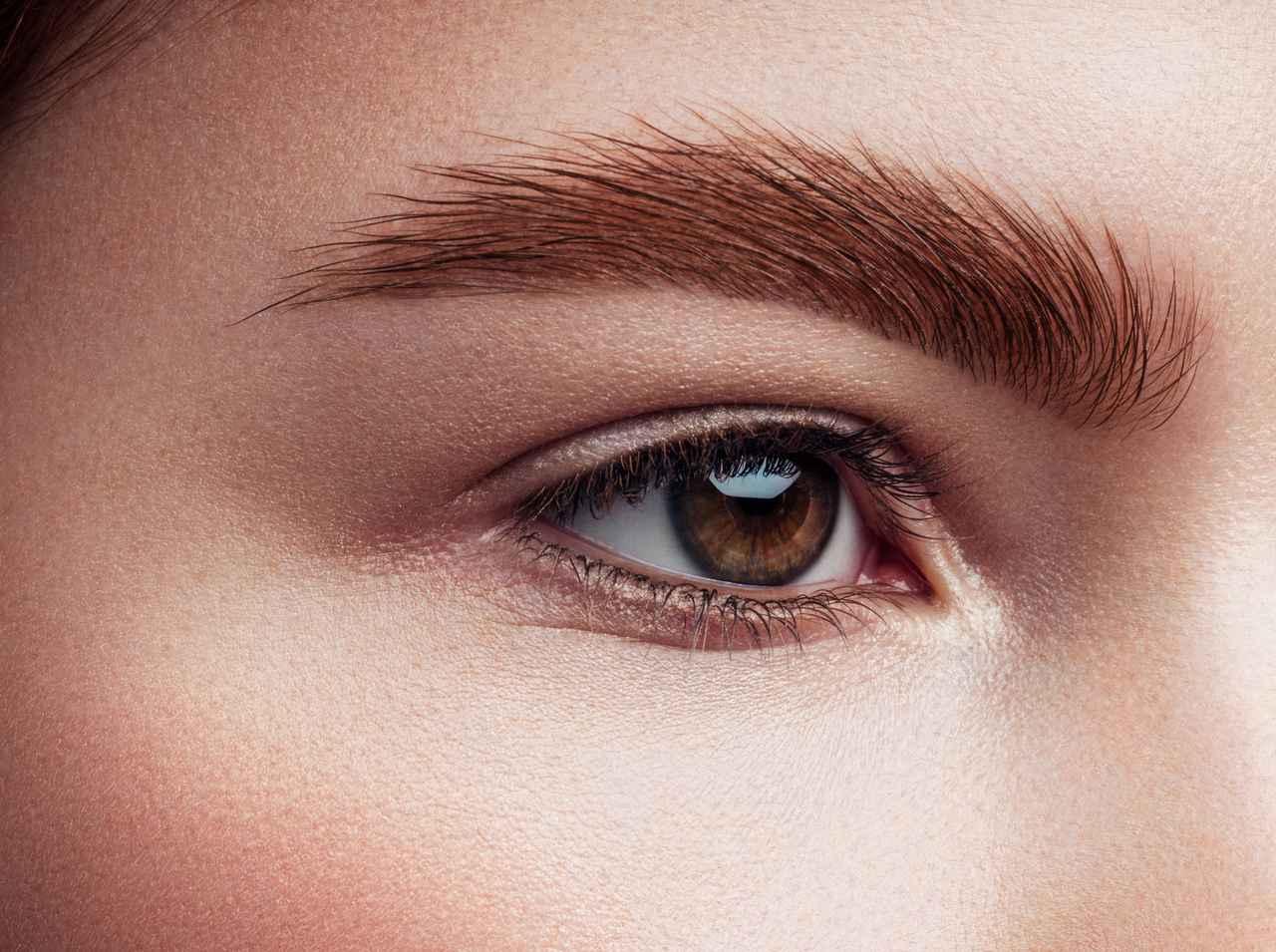 画像: ふさふさ眉を目指すなら繊維入りを選んで