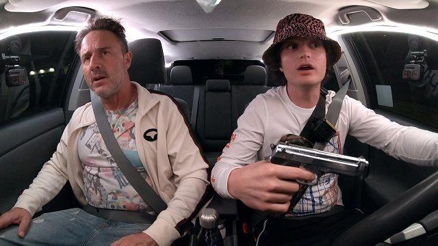 画像: 俳優のデヴィッド・アークエットもカートの狂気に振り回される役で登場する。© 2020 Spree Film Holdings, LLC. All Rights Reserved.