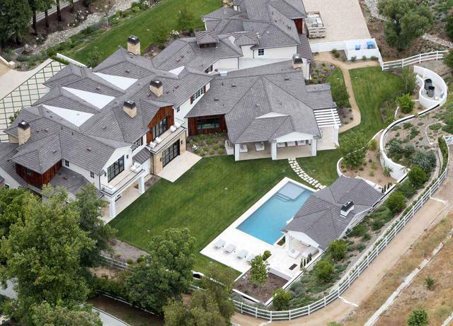 画像1: マドンナの新居に以前住んでいたのはあの超人気シンガー